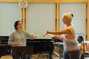 Anne Sofie von Otter går ner på detaljnivå i sin undervisning. Varje sång har tusentals möjligheter, menar hon.