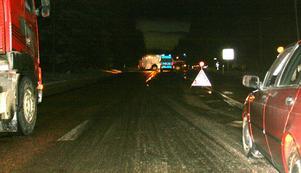 Det var mycket halt när olyckan inträffade på riksväg 80 i eftermiddags.