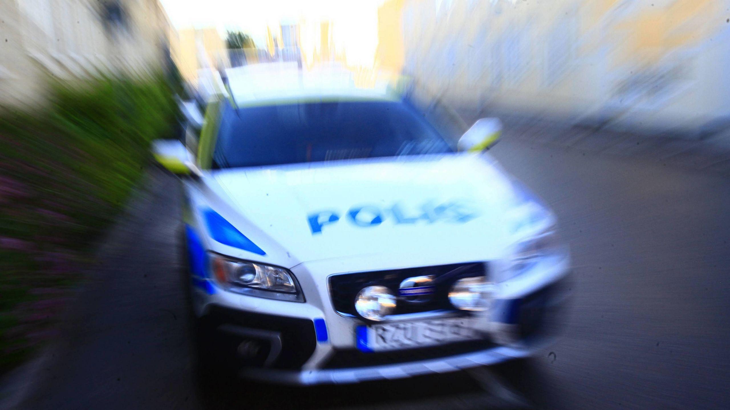 Hotade polisen med hepatit