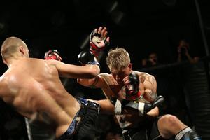Robin Roos var illa ute i den första ronden mot Jonathan Ring.