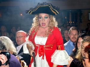 Maria Nilsson som pirat.