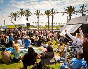 På Long beach i Kalifornien vankades bland annat musikfestival.