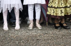 FINSKOR. För många är skolavslutningen lika med finkläder, från topp till tå.