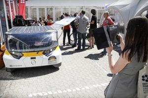 Vad vore en vetenskapsmässa utan en solcellsdriven bil? Teknikföretagen visade sina bästa sidor.