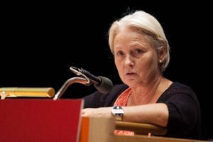 Monalisa Norrman (V) argumenterade mot höjt högkostnadsskydd för mottagningsbesök. – Att höja högkostnadsskyddet är det mest osolidariska man kan göra, säger hon.