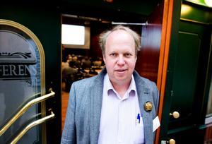 Holger Petersson är processledare för Matland Dalarna. På Matforum berättade han inledningsvis om projektets ursprung och visionen om en tydligare bild av Sverige som matland.