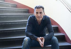 """David Lagercrantz klättrar på försäljningslistorna med boken """"Mannen som sökte sin skugga"""", den femte delen i """"Millennium""""-serien."""