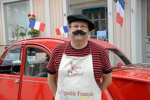 Ulf Ludvigsson står bakom firandet av Frankrikes nationaldag i Askersund. Han tycker det är en riktigt rolig dag, men önskar att fler handlare skulle hänga på.Fotograf: Veronica Svensson/Arkiv