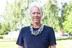 Carina Nilson, chef för bildning, fritid och kultur, får 6 000 kronor i lönelyft.
