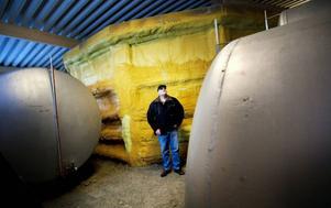Mjölkbonden Hans-Peter Eriksson står i startgroparna med sin helt nya biogasanläggning. Målet är att bli helt självförsörjande på el.
