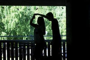 Danstempot i Lindy Hop kan variera från mycket snabbt till långsamt.