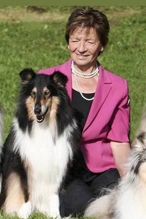 Anja Ejerstad har många minnen tillsammans med sina collier.