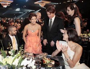 """Kyle MacLachlan och hans fru Desiree tillsammans med några av kollegorna från """"Desperate Housewives"""". Från vänster: Tony Parker, Eva Longoria, Kyle MacLachlan, Desiree Gruber och Teri Hatcher."""