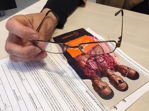 Synsams leasingavtal för glasögon har lett till flera anmälningar till Allmänna Reklamationsnämnden, men det återstår att se om anmälningarna avskrivs.