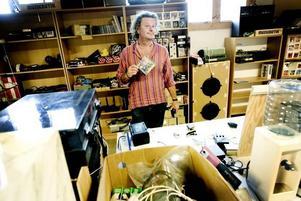 GLAD. Claes Svedberg tror inte det kommer att kännas konstigt att sälja sina tillhörigheter.