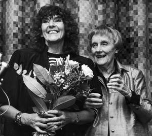 I 30 år var Margareta Strömstedt nära vän med Astrid Lindgren. 1986 fick hon Astrid Lindgren-priset.