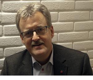Bengt Bergqvist är ordförande i landstingets personalpolitiska utskott. Han har lyssnat på kritiken från sjuksköterskestudenterna.