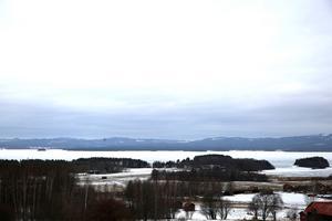 Sörmedsjöns byförening vill rädda sluttningen vid Orsasjön från det planerade vägprojektet Vattnäs-Trunna.