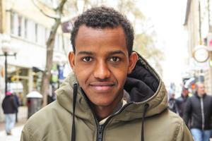 Filimon Gebrihiwet, 16 år, Åre: – Nej. Jag hoppas det, men jag tror att Frankrike vinner. De har duktiga spelare som är bättre än de svenska.