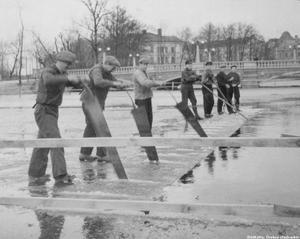 Issågning på Svartån på 40-talet.