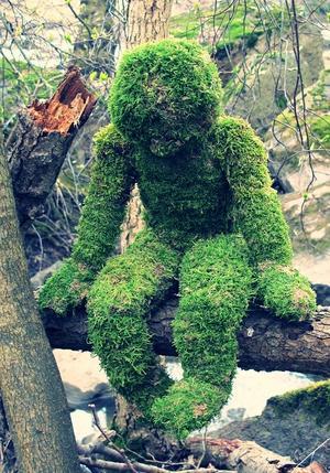 Jag (Anya Blom) har tillverkat skulpturen själv och just nu bor