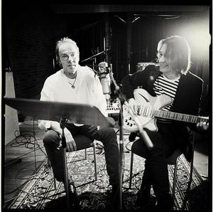 Magnus Lindberg och Basse Wickman (till höger) har en ny skiva ihop.