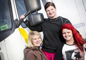 Beatrice Färdigs, Linda Munther och Isabelle Dahlqvist har lagt ner mycket tid på att arrangera resan, för sig själva och för klasskompisarna.