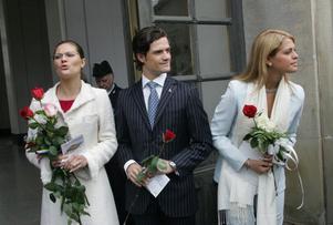 Kungabarnen Victoria, Carl Philip och Madeleine borde befrias från förnedringen att delta i sin egen dokusåpa.