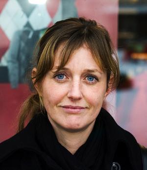 – Nej, i regel inte. Det här är isolerade händelser som inträffar då och då, och då får stor uppmärksamhet i media. Men jag försöker att inte tänka på det.Monica Nyholm, 34 år, grundutbildningssamordnare, Sundsvall.
