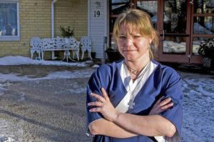 Ingela Dahlberg och hennes arbetskamrater på Almedalens äldreboenden är bestörta över ledningens besked. Schemaförslaget de anställda hade röstat fram godtogs inte.