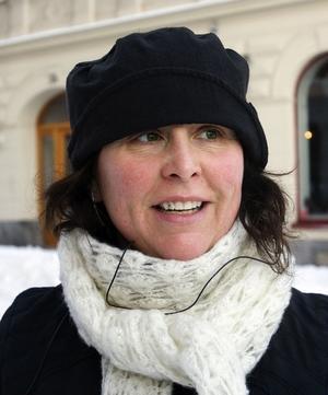 Camilla Hultman, 40 år, frisör, SundsvallJag välkomnar den absolut, men skottningen borde hållas efter bättre. Det är svårt att gå trots att jag har broddar.