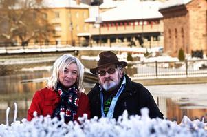 Maria Bergström och Pertti Nyberg ligger bakom facebookgruppen