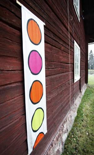 Sucre. Mönstret på vepan som hänger på väggen på stugan är uppkallad efter en stad i Bolivia som Lena besökte förra våren.
