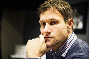 Modos general manager Markus Näslund letar efter ersättare till T. J Hensick.