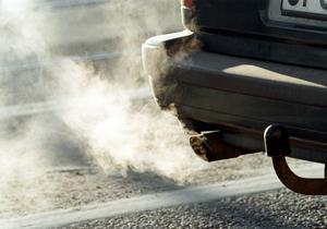 Biltrafiken orsakar utsläpp. Foto: Erik G Svensson/TT