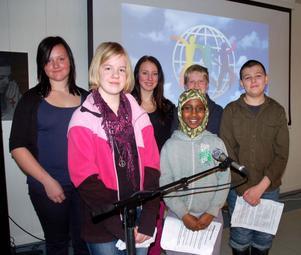 De berättade om barns rättigheter och Worlds childrens prize, Josefin Halvarsson Kallur, Filippa Andersson, Elin Kans, Deeqo Ismail, Kasper Duus Karlbom och Josef Fastlund.