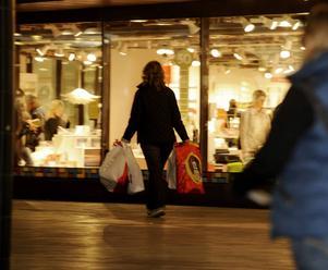 En god människa borde även i dag undvika lyx, aldrig kasta bort mat och laga sina trasiga kläder i stället för att köpa nytt, skriver debattören.