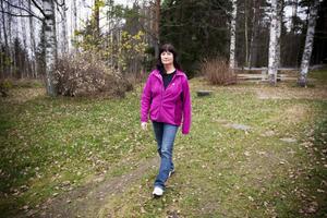 Brist på utbildade vikarier. Helene Björkman har varit fast anställd förskollärare i Sandvikens kommun. Hon sade upp sig i somras för att syssla med annat, men anmälde samtidigt att hon kunde rycka in som vikarie ibland om det behövdes. Men trots att bristen på utbildade vikarier är stor fick Helene nej tack. Det är även andra som självmant sagt upp sig fått när de velat ingå i vikariepoolen.