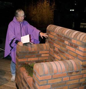 """TEGELBRUK. Fåtöljen """"En plats för drömmar"""" är skapad av tegel som kolbränts på södra Jylland."""
