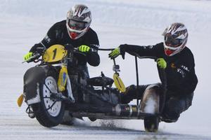 Daniel Andersson/Tomas Andersson segrade i sidvagn, men fick ta i hårt för att nå först till målet.