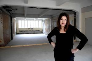 Ciléne Andréhn, delägare i galleri Andréhn-Schiptjenko. Hon berättar att verksamheten i fjol gick bättre än 2014, vilket går på tvärs mot den globala trenden att konstmarknaden mattas av.
