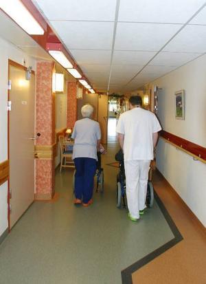 En politisk kris har blossat upp i Härjedalen. I botten ligger en fortfarande för dyr äldreomsorg. Revisorerna är kritiska och politikerna trängda mot väggen. Foto: Stefan Persson