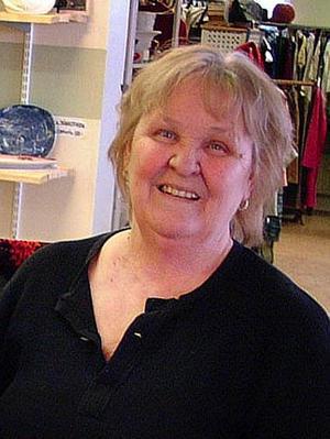 Anita Dorn, Hammarstrand, köpte gamla skolan i Ragunda samhälle skola för en krona.