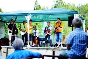Dagens höjdpunkt var Åsgård Band, i alla fall om man frågar hembygdsföreningens kassör Peter Svanström.