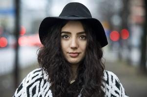 Enligt uppgifter till Aftonbladet blir Gina Dirawi programledare för nästa års melodifestival.