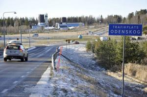 Östersunds kommun avvaktar med försäljning av handelstomten vid betongstationen.