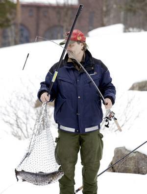 Ulf Skyman drog upp en öring på 2,8 kilo.