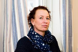 Kortare arbetsdag och samma lön, föreslår Christina Höj Larsen och Vänsterpartiet.