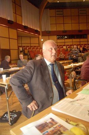 Oppositionsrådet Lennart Oscarsson (S) fick se sitt parti få igenom sin budget för 2010. Budgeten fick också stöd av Vänsterpartiet. Foto: Jonas Ottosson