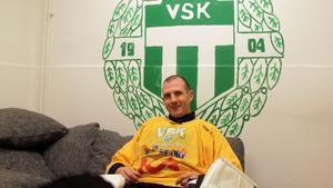 39-årige Andreas Bergwall har varit med om den här situationen förr. För VLT berättar han om vad som krävs för att vända 0-2-underläget mot Vänersborg till SM-semifinal.